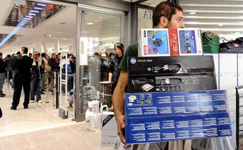 Confcommercio: per i consumi primo anno positivo dal 2007